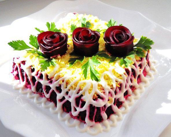 Оформление салата шуба к праздничному столу фото