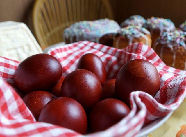 Как красиво покрасить и украсить яйца на Пасху 2019 своими руками: оригинальные способы и полезные советы