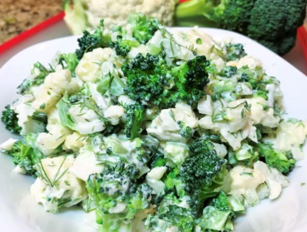 простой салат из брокколи