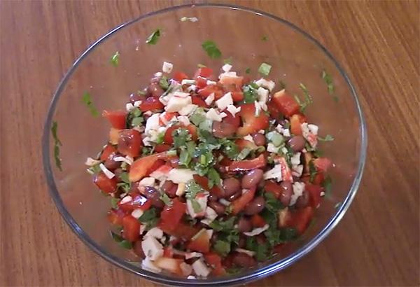 Салат с фасолью – шесть очень вкусных рецептов с фото