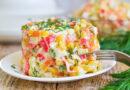 Салат с кальмарами и крабовыми палочками – 5 очень вкусных рецептов с фото