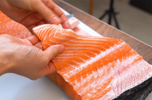 Как вкусно посолить красную рыбу в домашних условиях, сухой и мокрый посол