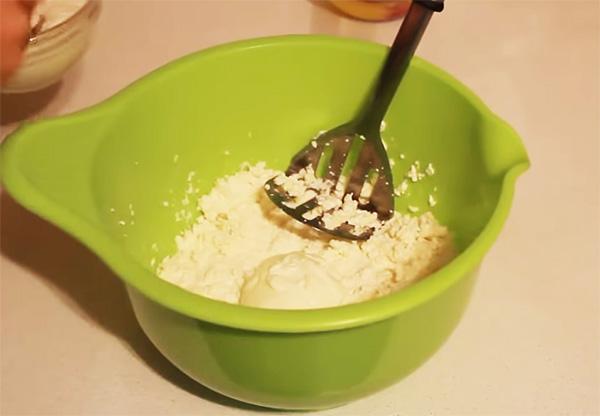 Сладкие блинчики с крахмалом и яйцами — рецепт с фото пошагово